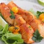 Стейки лосося, запеченные в духовке в остром соусе