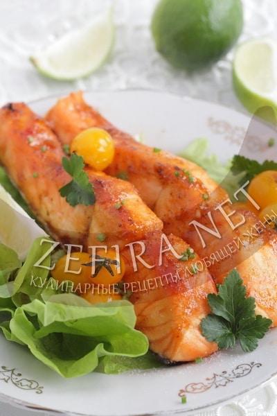 Стейки лосося, запеченные в духовке в остром соусе - рецепт и фото