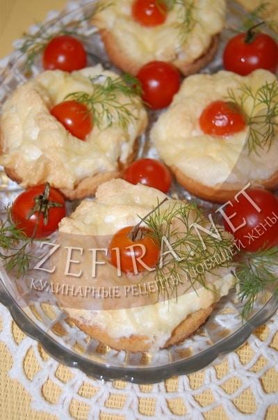 Горячие бутерброды в духовке с помидорами - рецепт и фото
