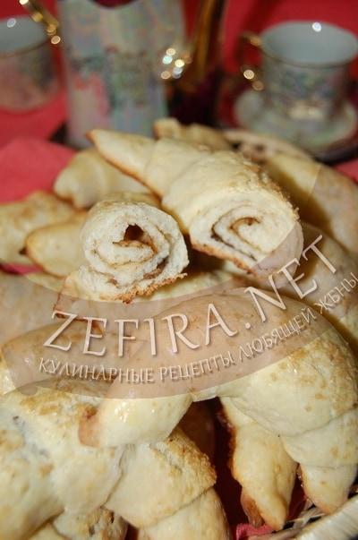 Творожные рогалики с корицей - рецепт и фото