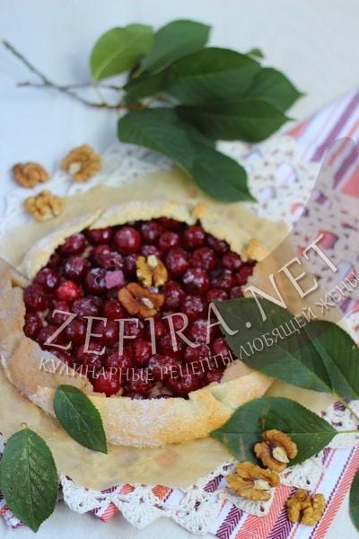 Галета с вишней и орехами - рецепт и фото