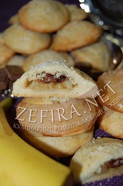 Песочное печенье с бананами и шоколадом - рецепт и фото