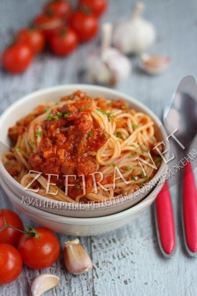 Спагетти болоньезе с фаршем - рецепт и фото