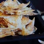 Чипсы из лаваша в духовке - рецепт с сыром