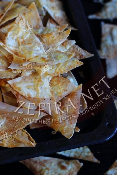 Чипсы из лаваша в духовке - рецепт с сыром - рецепт и фото