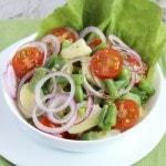 Картофельный салат со стручковой фасолью и помидорами