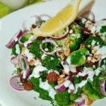 Салат из брокколи с луком и орехами