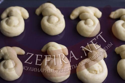 Пасхальные булочки зайчики - пошаговая фото инструкция шаг 6