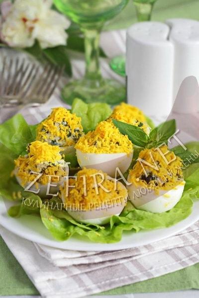 Яйца, фаршированные шпинатом - рецепт и фото