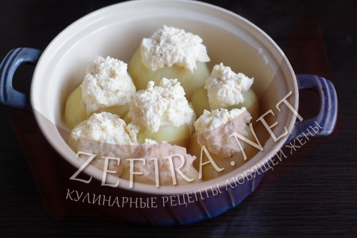 Картофель, запеченный под сырным соусом - шаг 3 приготовления