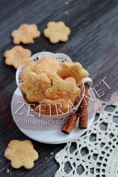 Простое творожное печенье с корицей - рецепт и фото