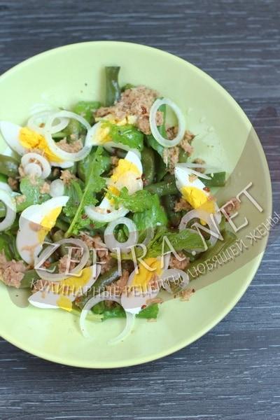 salat-iz-konservirovannogo-tunca-s-jajcom-i-struchkovoj-fasolju