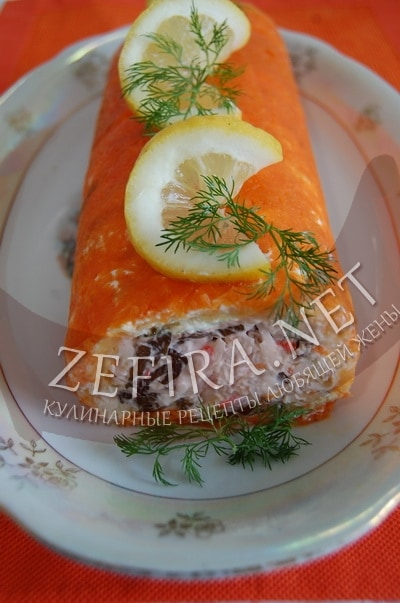 Салат с виде рулета с крабовыми палочками - рецепт и фото