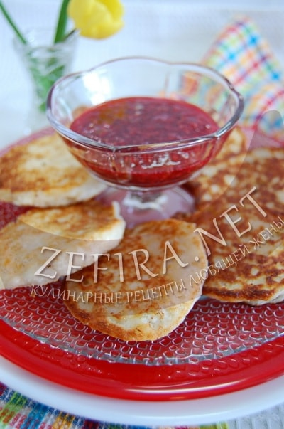 Творожные оладьи на кефире - рецепт и фото