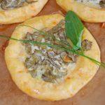 Картофельные булочки ватрушки с зеленью