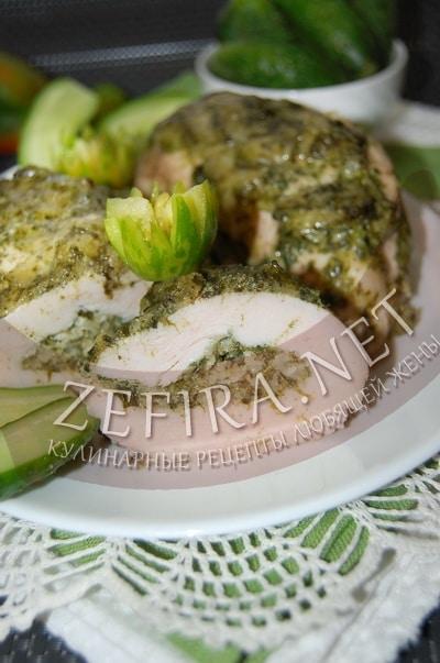 Куриное филе, фаршированное шпинатом и сыром - рецепт и фото