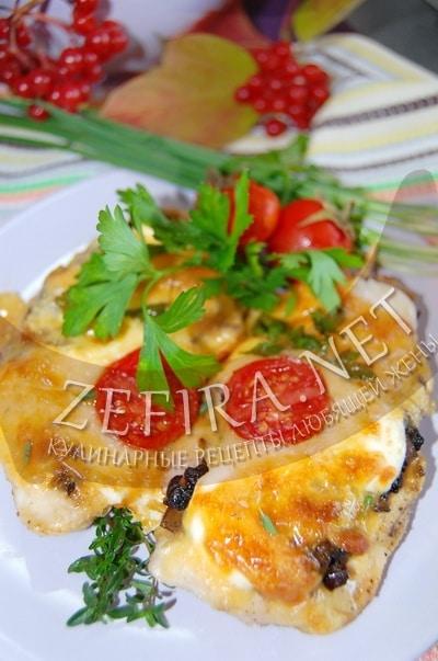 Куриные отбивные с грибами и сыром в духовке - рецепт и фото