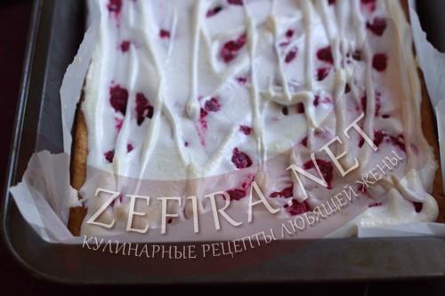 Пирог из творожного теста с ягодами - готовый пирог