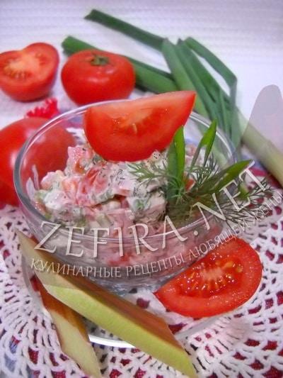 Салат из помидоров с ревенем и зеленым луком - рецепт и фото