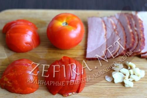Веер из баклажан с помидорами, сыром и ветчиной в духовке - шаг 3 пошагового приготовления