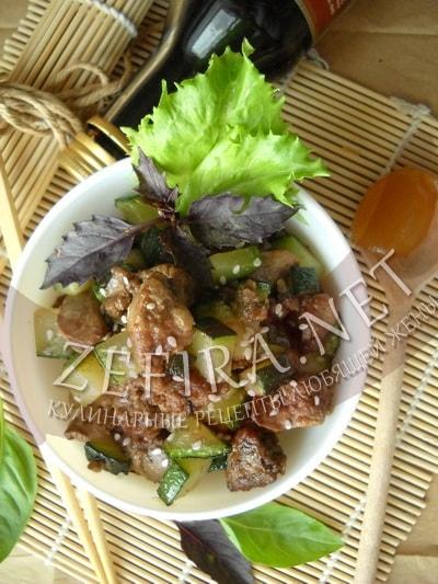 Куриная печень жареная с кабачками - рецепт и фото