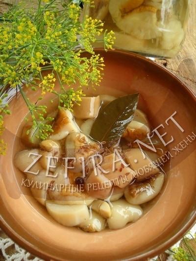 Маринованные грибы боровики на зиму - рецепт и фото