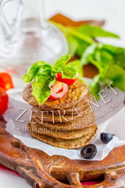 Печеночные оладьи с кабачком – рецепт с манкой