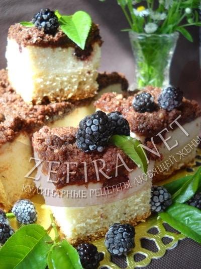 Пирог с творогом, ежевикой и шоколадным штрейзелем - рецепт и фото