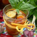 Салат из кабачков в томате на зиму – рецепт с чесноком и базиликом