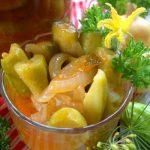 Салат из огурцов с луком в томатном соусе на зиму