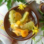 Зеленые помидоры с луком и морковью – рецепт салата на зиму