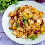 Жареная на сковороде картошка с кабачками – рецепт с вялеными помидорами и луком