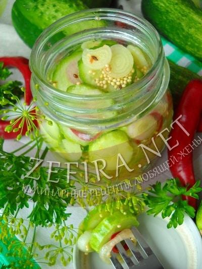 Зимний салат из огурцов с луком и перцем чили - рецепт и фото