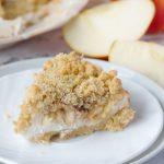 Пирог из овсянки с яблоками и творогом