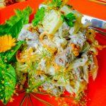 Салат из куриной печени с омлетом