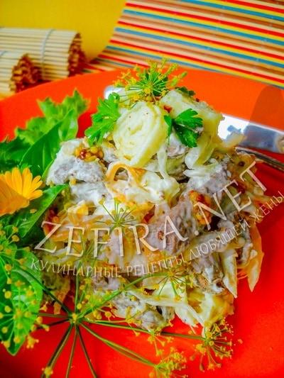 Салат из куриной печени с омлетом - рецепт и фото