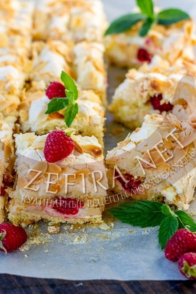 Нежный торт с малиной и кремом из маскарпоне - рецепт и фото