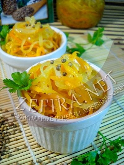 Салат на зиму из кабачков, моркови и лука - рецепт и фото