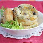 Слоеные пирожки с картошкой, грибами и сыром