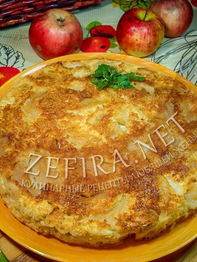 Заливной перевернутый яблочный пирог на сметане  - рецепт и фото