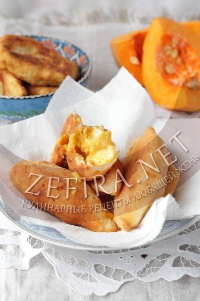 Жареные пирожки на кефире с сыром и тыквой - рецепт и фото
