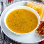 Простой постный суп из красной чечевицы с тыквой и овощами