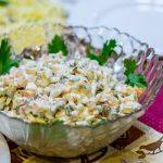 Салат с морковью, яйцом и кальмарами