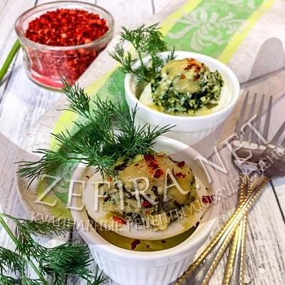 Яйца, фаршированные шпинатом и сыром