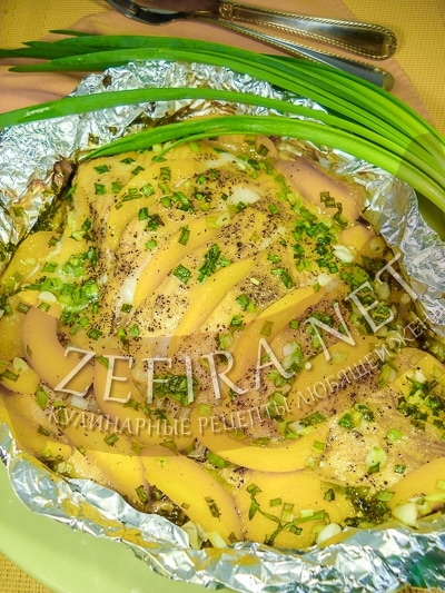 Камбала, запеченная в духовке с персиками