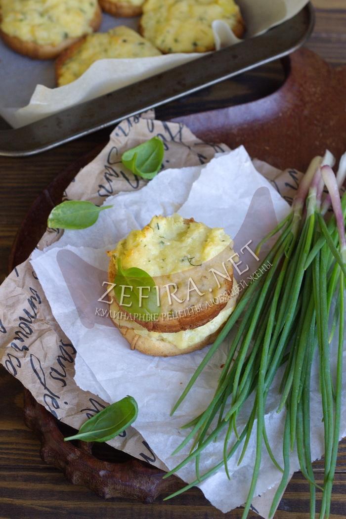 Горячие бутерброды с картошкой и сыром в духовке - рецепт и фото