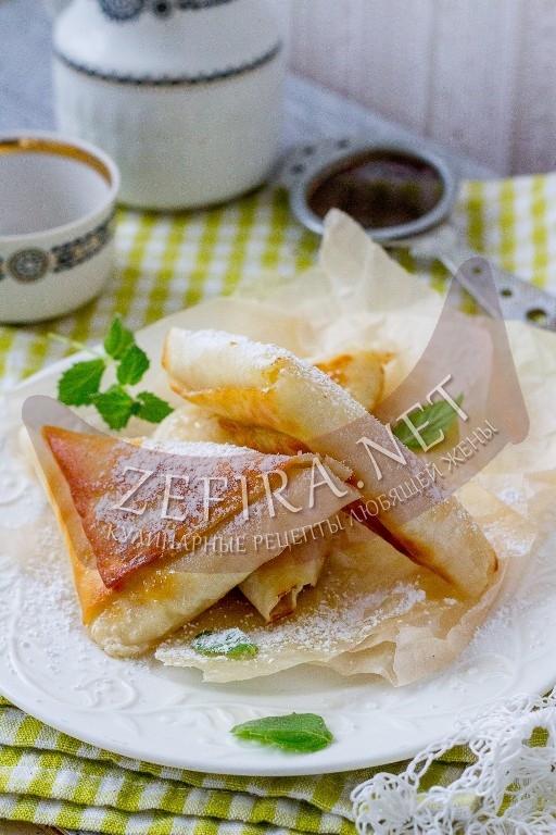 Ленивые пирожки с яблоками на сковороде - рецепт и фото